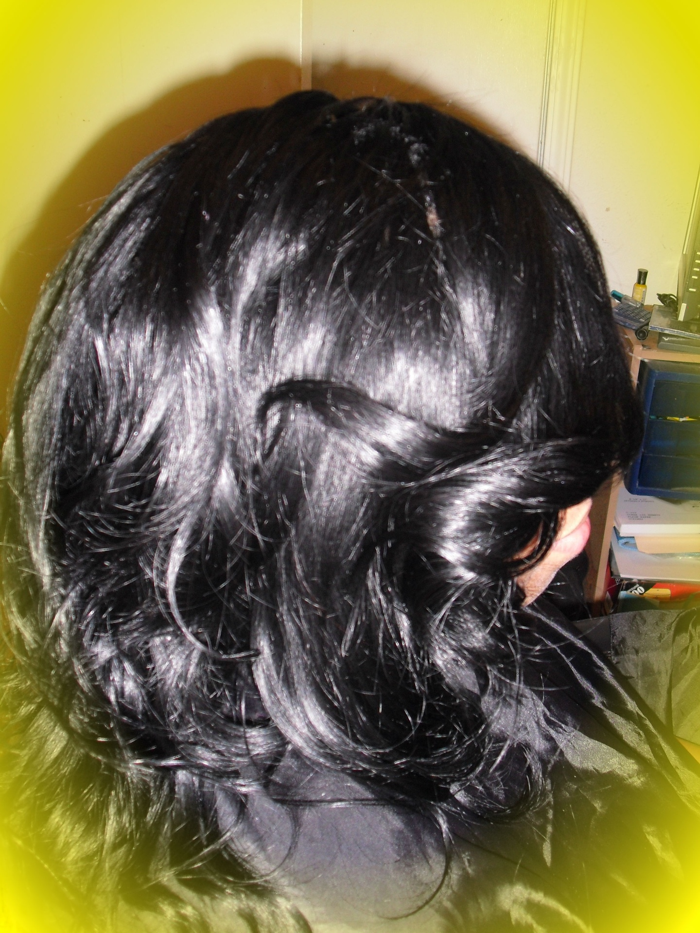 100% yaky human hair (layered and curled)